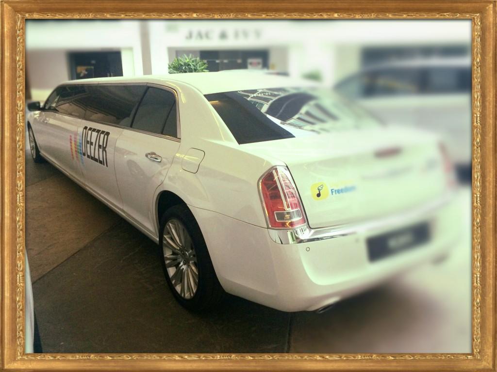 Chrysler Stretch limo back_Fotor