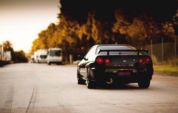 nissan skyline back