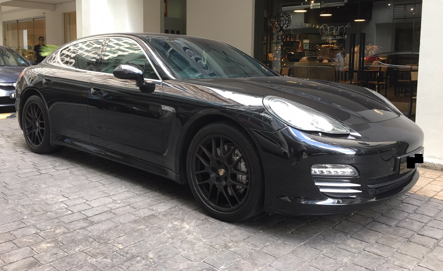 porsche panamera rental malaysia taste the power. Black Bedroom Furniture Sets. Home Design Ideas