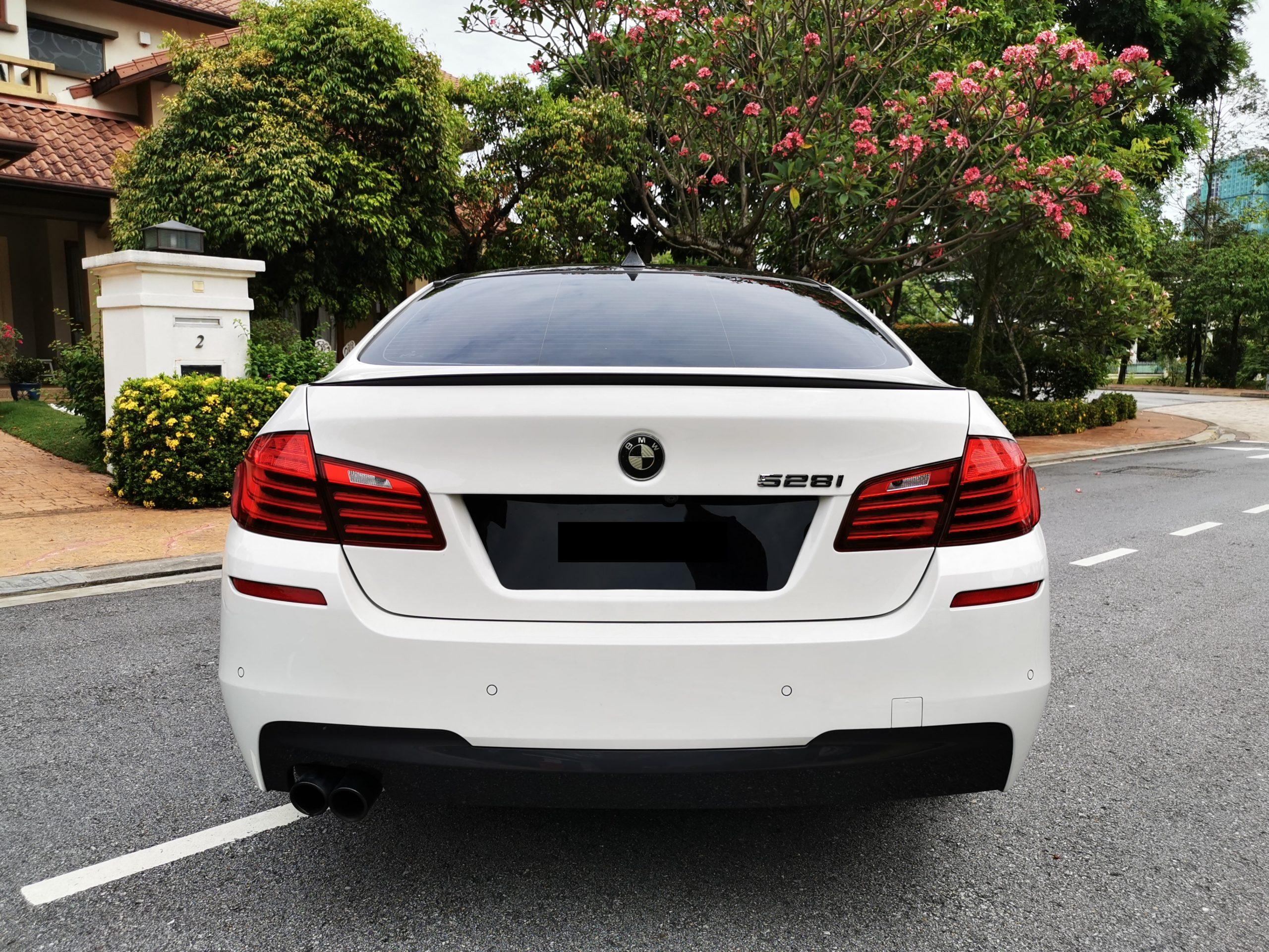 BMW 528i Rear view