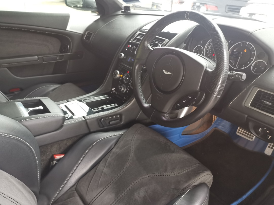 Luxury driving experience