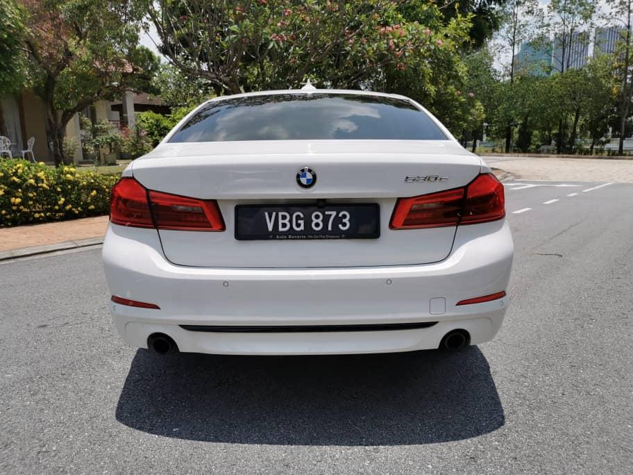 Elegant rear