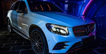 Mercedes GLC 250 in a party