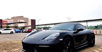 Porsche Boxster 718 black sporty