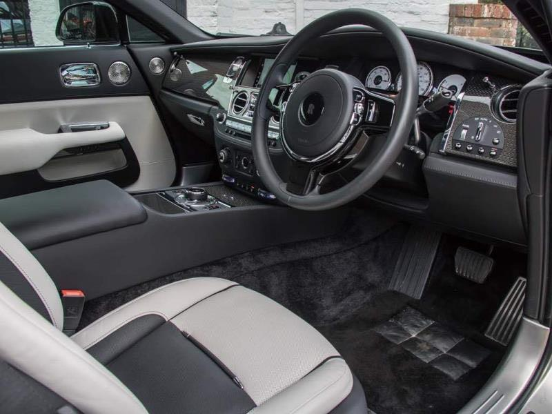 rolls royce wraith steering luxury